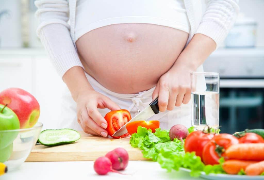 מאכלים שכדאי לאכול לפני כניסה להרייון ולא משפיעים על שומן בטני